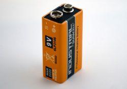 Derfor skal et batteri ikke ligge og flyde